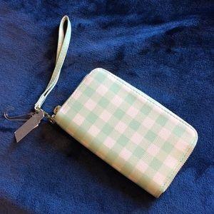 Handbags - ⭐️MiNT WRiSTLET⭐️